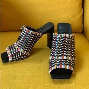 NWOT Nine West black leather woven mules/slides